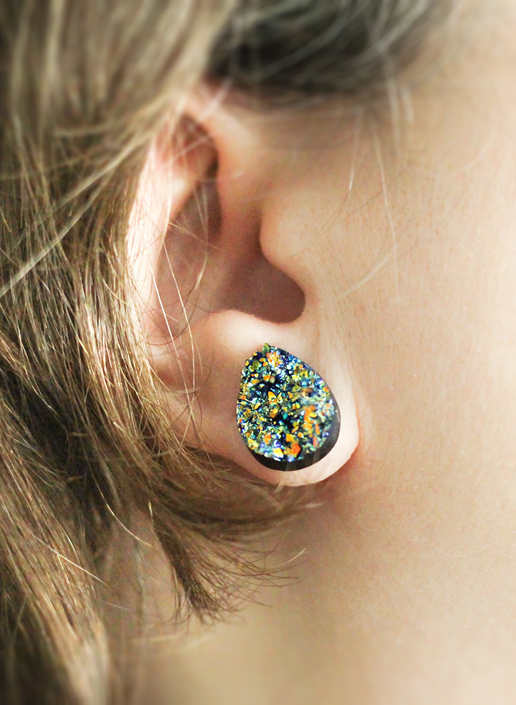 DIY Vintage Button Earrings