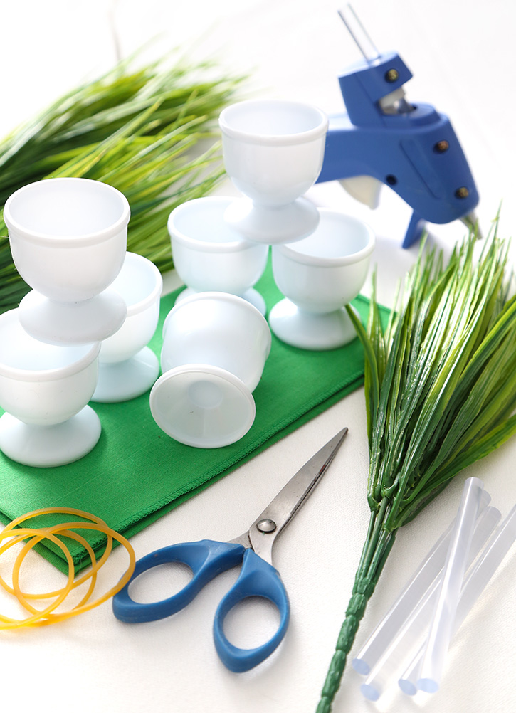 DIY Spring Grass Place Card Holders